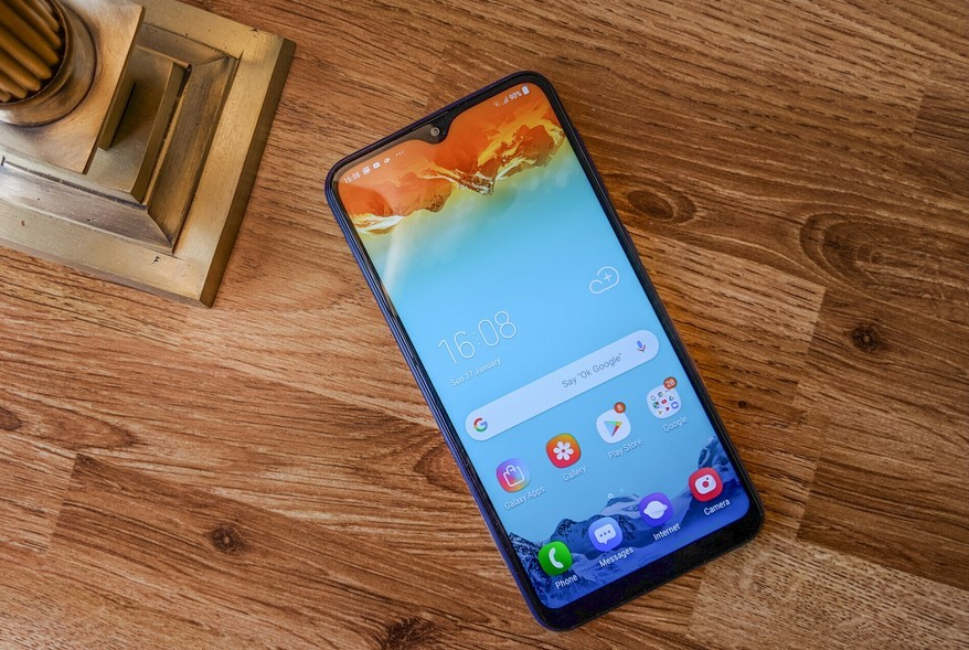 Samsung Galaxy M10 (androidauthority.net)